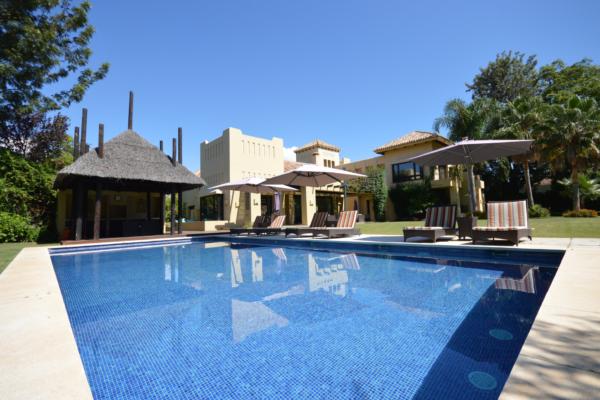 6 Bedroom, 6 Bathroom Villa For Sale in San Pedro de Alcantara