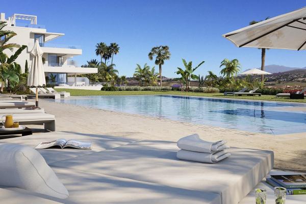 2 Bedroom, 2 Bathroom Apartment For Sale in Atalaya Alta, Estepona