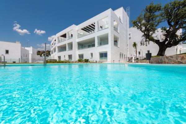 1 Bedroom, 1 Bathroom Apartment For Sale in Marbella