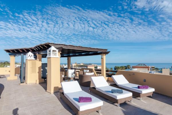3 Bedroom, 3 Bathroom Penthouse For Sale in Costalita, Estepona