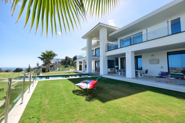 4 Sovrum, 5 Badrum Villa Till Salu i La Alqueria, Benahavis